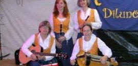 MERCOLEDÌ 27 LUGLIO   Danze tradizionali e popolari e musica dal vivo con le Dilune