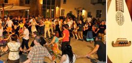 15 luglio Balli Folk internazionali e musica dal vivo con i Doi pass e 'n Passet